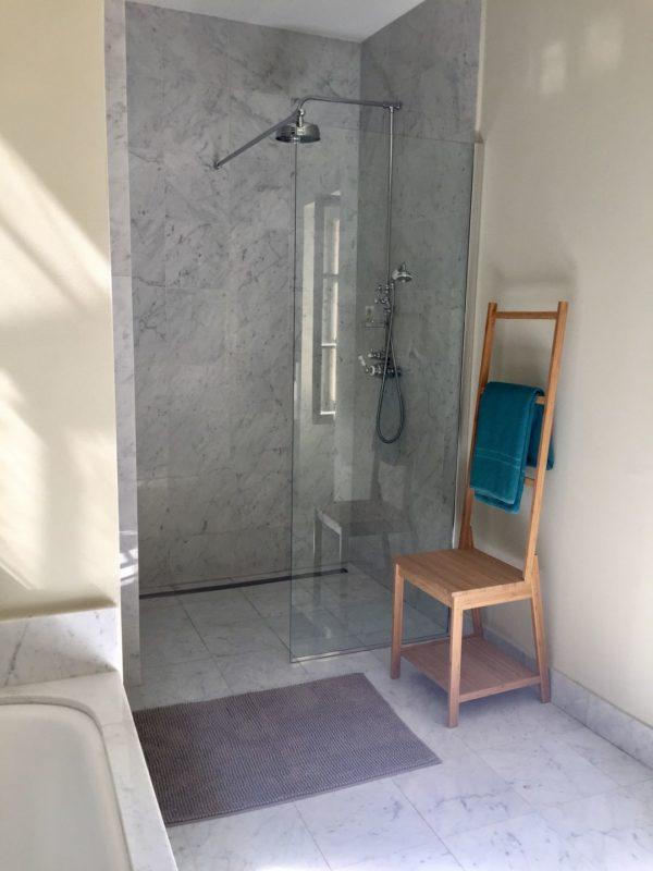 Salle de bain chambre marbre